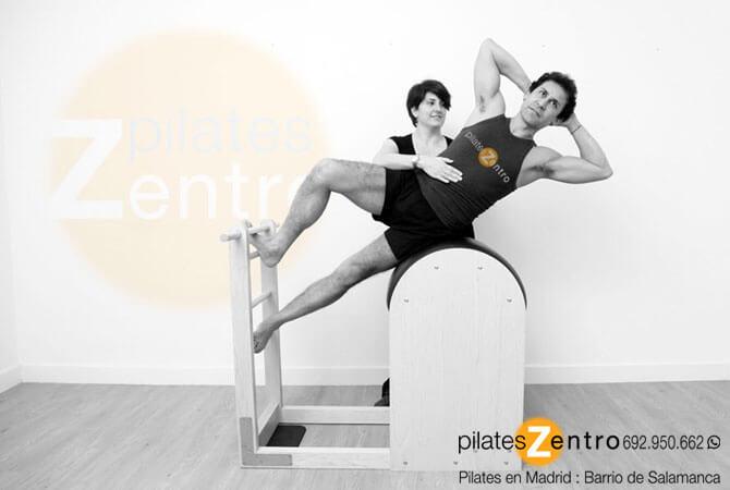 Pilates para Hombres sobre barril (máquina de pilates)